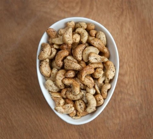 The Real Smoked Nut Company Hickory Smoked Cashews And Black Pepper 100g